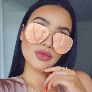 Accessories - 2018 rose gold color mirrored sunglasses